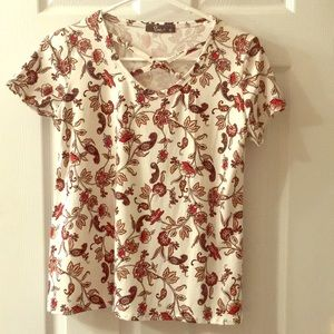 Like New XL Floral & Paisley Pinc Criss-Cross Tee